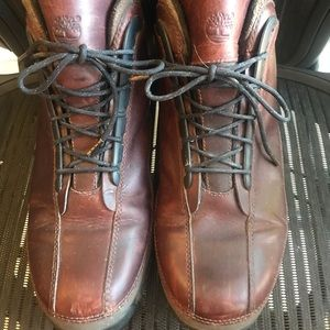 Men's Timberland - brown leather boots - EUC